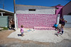 Muro rosa em Palhoca_03 (a roving eye) Tags: pink boy brazil muro wall brasil rosa santacatarina paulmansfield palhoca rovingeye arovingeye paulmansfieldphotography familygetty2010 gettyvacation2010 wwwpaulmansfieldphotographycom rovingeyephotography