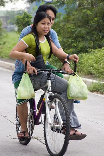 Marikina, Manila bike ride angkas  Buhay Pinoy Philippines Filipino Pilipino  people pictures photos life Philippinen  菲律宾  菲律賓  필리핀(공화국)  street road
