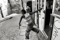 Decisive moment (Rui Palha) Tags: street people urban blackandwhite bw blackwhite decisivemoment ruipalha