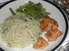 Thin Spaghetti, Beans and Chicken (Koala-Bear) Tags: chicken vegetables breast maryland peppers chilli 2007 stringbeans icookedthis thinspaghetti