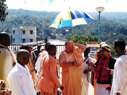H H Jayapataka Swami in Tirupati 2006 - 0053 por ISKCON desire  tree.