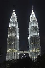 Twin towers (loveit!) Tags: summer holiday fun sony petronas towers skybridge malaysia kuala kl gitzo lumpur 550