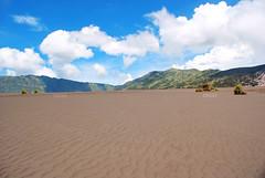 Whispering Sand (Intan L Wijaya) Tags: bromo mountbromo probolinggo pasirberbisik