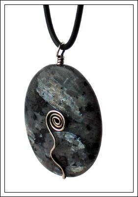 larvikite-pendant02