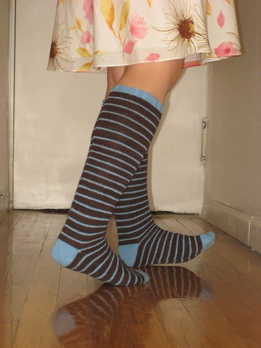 socks with unmatching dress