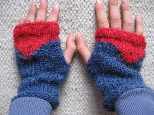 demons fingerless gloves
