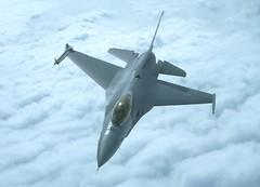 f 16 fighter plane