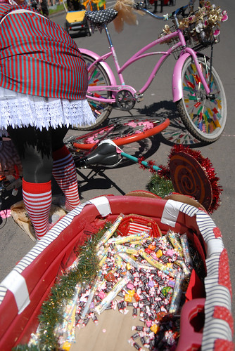 Cirque du Cycling Art Bike Parade-4