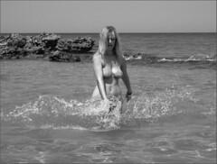 29 luglio 2007 - Baia dei Turchi [2] (redford74) Tags: beach girl mare dino nat bikini blonde otranto salento spiaggia natasa bionda alimini torredellorso dinodelvescovo redford74