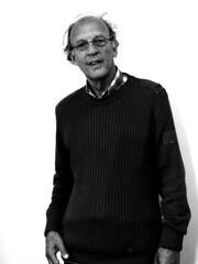 Henk van der Ent (janGlas) Tags: portrait bw 50mm olympus writer e300 portret schrijver zd 50mmmacrof20 janglas henkvanderent