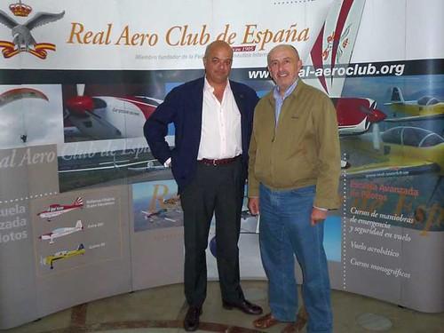 Javier Mnez. de Velasco y José Luís Olías