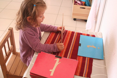 Montessori en famille, vie sensorielle, langage