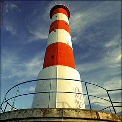 Lneas y Curvas (m@tr) Tags: lighthouse france canon faro aude seales portlanouvelle canoneos400ddigital lneasycurvas languedocroselln mtr sigma1020mmexdc marcovianna imagenesdefrancia fotosdefrancia