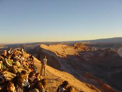 Valle la Luna sunset crowd (Brewdex) Tags: chile valledelaluna atacamadesert