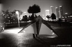 homing (busyliner) Tags: leica city bw kite film kodak snapshot hc110 push epson 135 ningbo  m2  402 rf iso1600   v500 mrokkor iso250 5222 selfdevelop blackwhitephotos