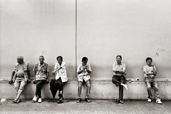 (ww__) Tags: street men rollei photography hong kong po 40 28 kowloon shum shui sonnar 35s