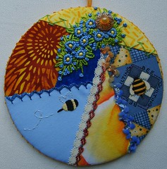 Beezzz (fatquarter (Annet)) Tags: embroidery bee cq handpieced couching frenchknots foundationpieced chevronstitch detachedchainstitch straightstitch berrystitch cdornament raisedcupstitch buttonholedherringbonestitch fancyhemstitch