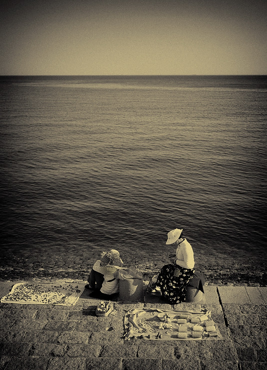 'two women knitting by the sea' • qingdao, china    © marc montebello all rights reserved
