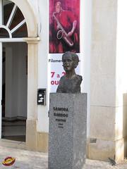 Sculptures - Portugal - Algarve - Albufeira hC20101022 055 (fotoproze) Tags: portugal esculturas sculture algarve sculptures albufeira 2010 cerfluniau eskultura   skulpture skulpturen escultures  patung sochy sculpturen  skulpturer  rzeby  sculpturi szobrok   sklptrar veistokset heykeller   tcphmiukhc  dealbha
