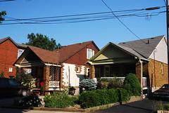 TORONTO 2007 - EAST YORK (ettml) Tags: york houses toronto ontario canada east pape broadview oconner cosburn