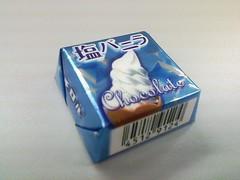 チロルチョコ 塩バニラ