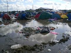 Oversvømmede telte - by Johannesen