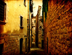 Streets of Girona (X) - by ToniVC