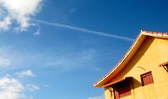 CU (Pri Antunes) Tags: casa cu nuvem rastro