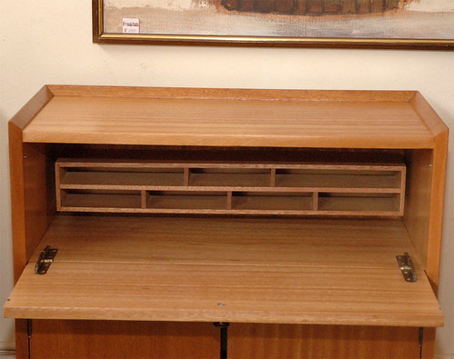 1942 Brown Saltman Furniture   Gilbert Rohde Designer