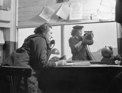 Signallers Marian Wingate and Margaret Little of the Women's Royal Canadian Naval Service at work. / Marian Wingate et Margaret Little, spcialistes des transmissions du Service fminin de la Marine royale du Canada, au travail  St. John's (BiblioArchives / LibraryArchives) Tags: canada labrador wwii lac stjohns canadian worldwarii canadians 1945 et canadiens canadien bac secondworldwar canadienne terreneuve libraryandarchivescanada canadiennes deuximeguerremondiale womensroyalcanadiannavalservice newfoundlandandlabrador bibliothqueetarchivescanada signallers marianwingate margaretlittle servicefminindelamarineroyaleducanada spcialistesdestransmissions edwarddinsmore