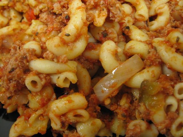 American chop suey (closeup)