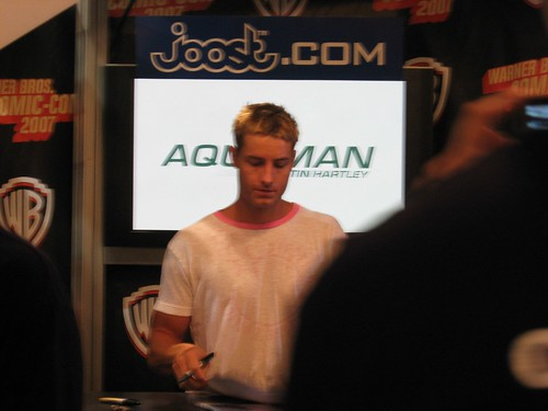justin hartley aquaman. Justin Hartley at the Joost/Aquaman signing.