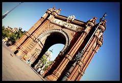 Arc de Triomf, Barcellona (AdrianoIt) Tags: barcelona travel blue sky urban monumenti architettura barcellona citta arcoditrionfo arcdetrionf