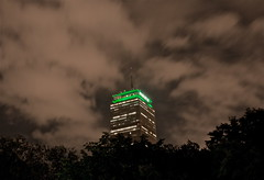Celtic Green | Angry Sky (and unhappy C's fans) (iMatthew) Tags: green beatla prudentialbuilding pru bostonist angrysky universalhub angryfans celticsgreen gocs banner18 prulitgreen