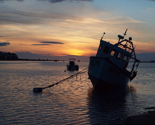 Fishing boat sunset (5)