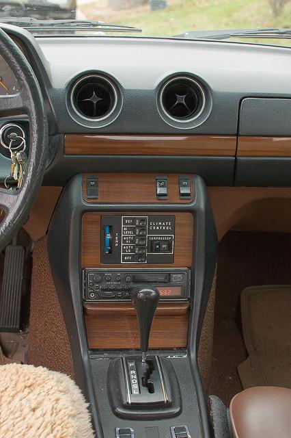 Mercedes-Benz 10