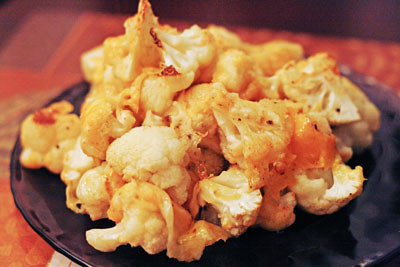 Easy Roasted Cheddar-y Cauliflower