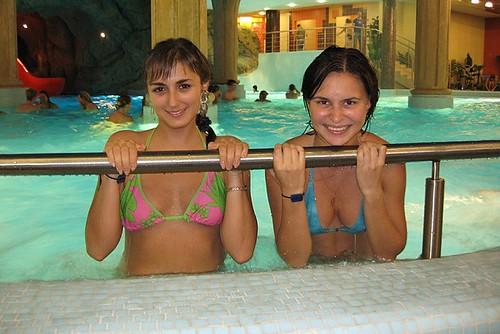 celebrity nude floppy natural boobs pics: bigboobs, bikini, pool, cleavage