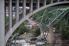 I-35W Bridge Collapse(4) (Poppyseed Bandits) Tags: bridge news unitedstates photojournalism minneapolis disaster collapse emergency mn 35w breakingnews takenbyjeff i35w bridgecollapse summer2007 minnesotabridgecollapse minneapolisbridgecollapse 35wbridgecollapse