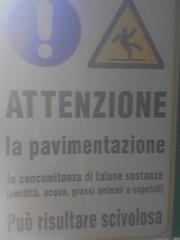 Slipper (Niccol Caranti) Tags: warning siemens cellulare mobilephone firenze mercato slipper attenzione pavimentazione scivolosa