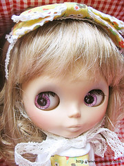 i got this new wig for Hebe, mohahaha, she
