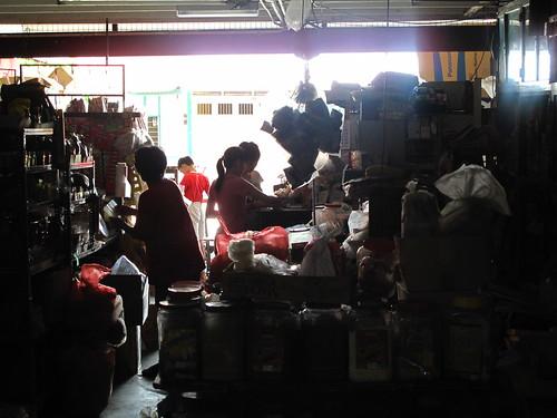 IMG_8683  小镇的杂货铺