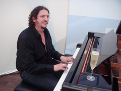 Jay Rayner tinkling the ivories