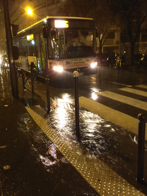 heavy rain on Paris - forte pluie sur Paris