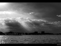 Magical light (Myhaela) Tags: sea sky bw noiretblanc blacksea magicallight bwdreams mywinners abigfave myhaela bwart7111000