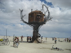 Steampunk Treehouse - by Mickipedia