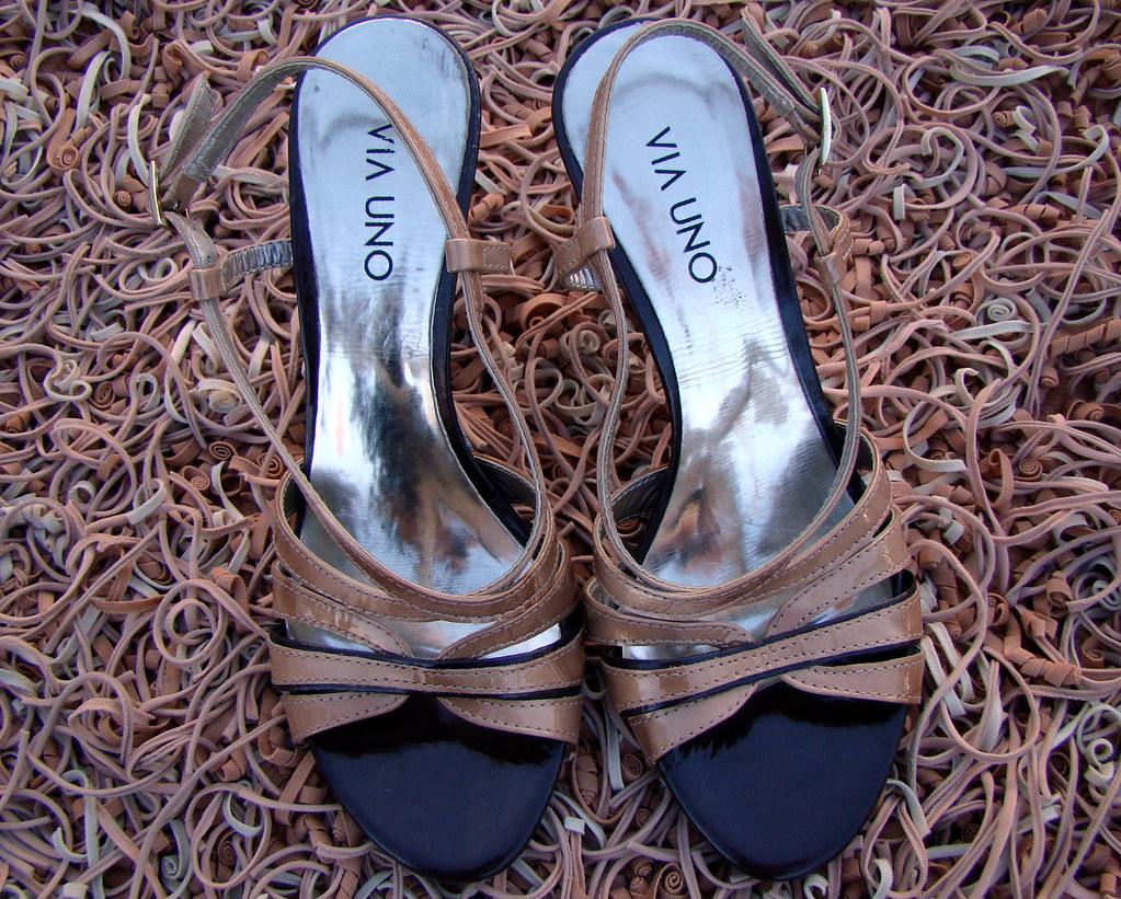 b43e172ce Via Uno (Brechó Camarim) Tags: fashion shoe sapato arezzo barato brechó  schutz brecho