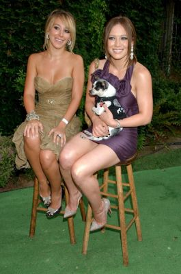 hilary_duff_much_love_animal_rescue_benefit_at_playboy_mansion_3