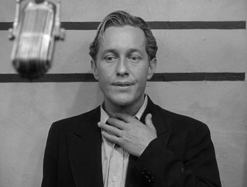 Strother Martin in Concrete Jungle (1950)