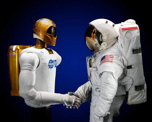 [フリー画像] 物・モノ, ロボット, 宇宙飛行士, 201011300700